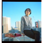 小島ケイタニーラブ、最新アルバム『はるやすみのよる』から中国広州で撮影されたMV「オトナノコイ」公開